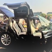 Elektrisch rijden Tesla Model X elektrische auto vleugeldeuren