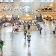 Station-spoorzone-mensen